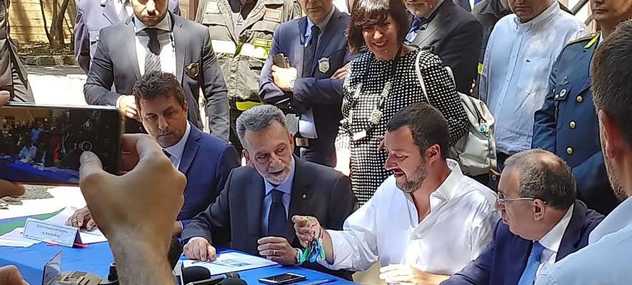 Il ministro Salvini con il direttore dell'Agenzia Sodano a Palmi